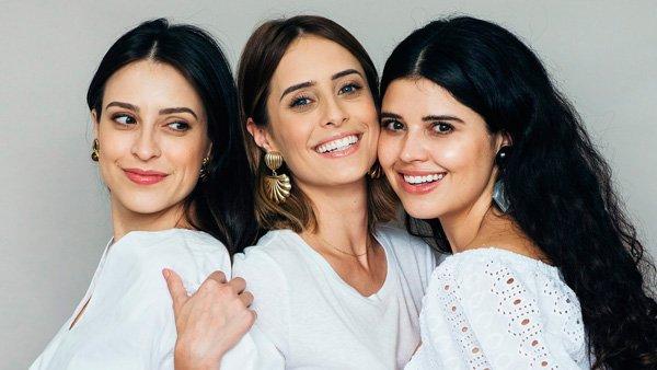 Barbara, Julia e Débora Alcantara - branco - beleza - verão - set