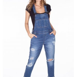 Macacão Jeans Feminino Rasgos Pernas
