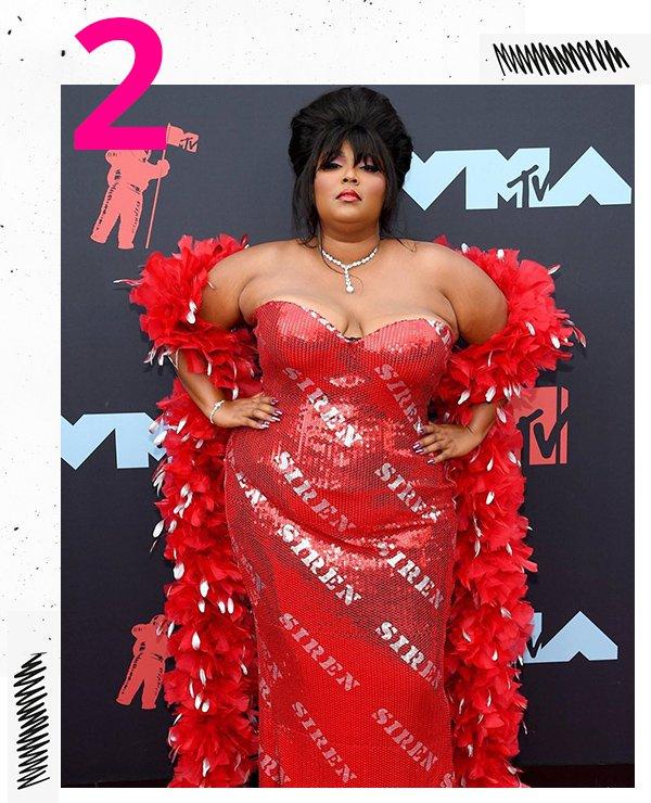 Lizzo - Vestido vermelho - Red Carpet - Inverno - VMAs
