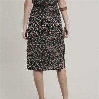 saia feminina midi estampada floral com botões e bolsos preto