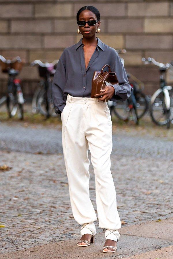 Sylvie Mus -       - sandália por cima da calça - meia-estação - street style
