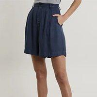 bermuda feminina mindset alfaiatada com pregas azul marinho