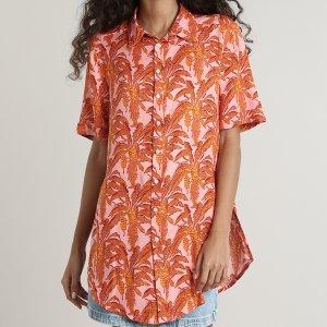 Camisa Feminina Estampada De Folhagens Com Fenda Manga Curta Rosa