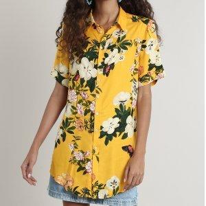 Camisa Feminina Estampada Floral Com Fenda Manga Curta Amarelo