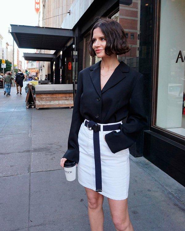 Marta Cygan - blazer-e-saia-branca - cinto - verão - street-style