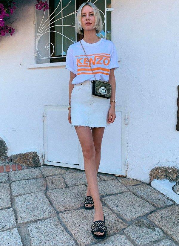it-girl - camiseta-e-saia-branca - minissaia - verão - street-style