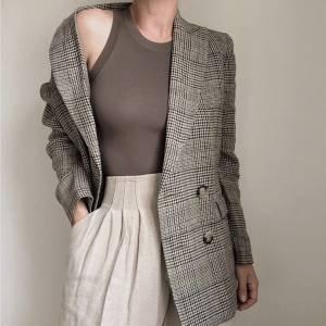 11 maneiras estilosas de usar blazer nessa estação