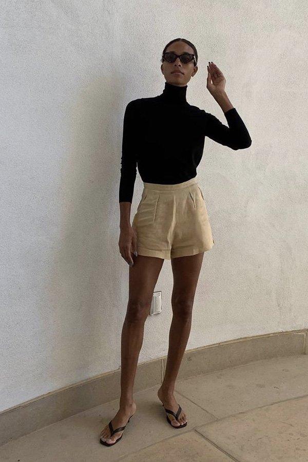 Tylynn Nguyen -      - chinelo de dedo com salto - verão - street style