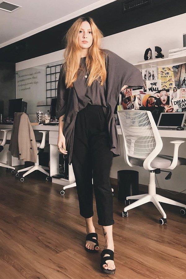 Ali Santos -      - calça preta - verão - street style
