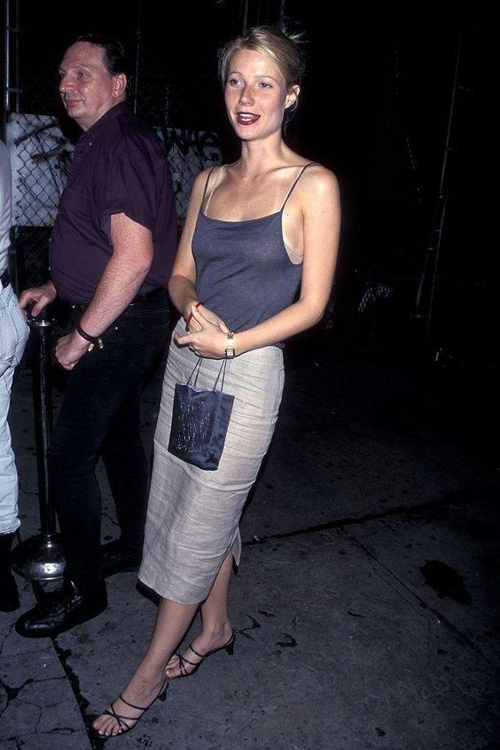 Gwyneth Paltrow - Saia midi - Anos 90  - Primavera - Street Style