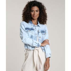 Jaqueta Jeans Feminina Cropped Com Barra Desfiada Azul Claro
