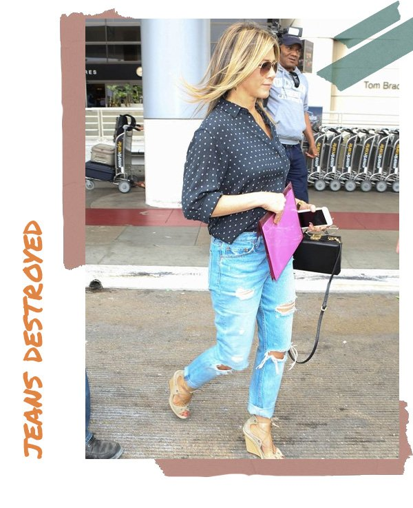 Jennifer Aniston -       - destroyed jeans - verão - street style