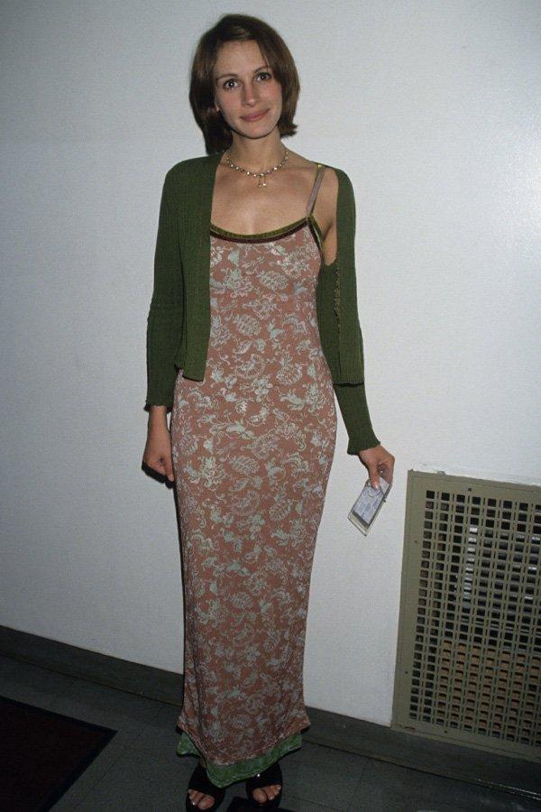 Julia Roberts - vestido longo florido e tricot - tricot - verão - street style
