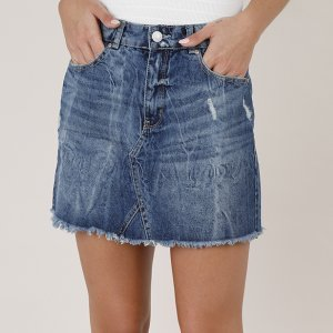 Saia Jeans Feminina Curta Com Recorte E Puídos Barra Desfiada Azul Escuro