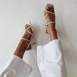 8 sandálias que você vai ver em todo lugar nesse verão