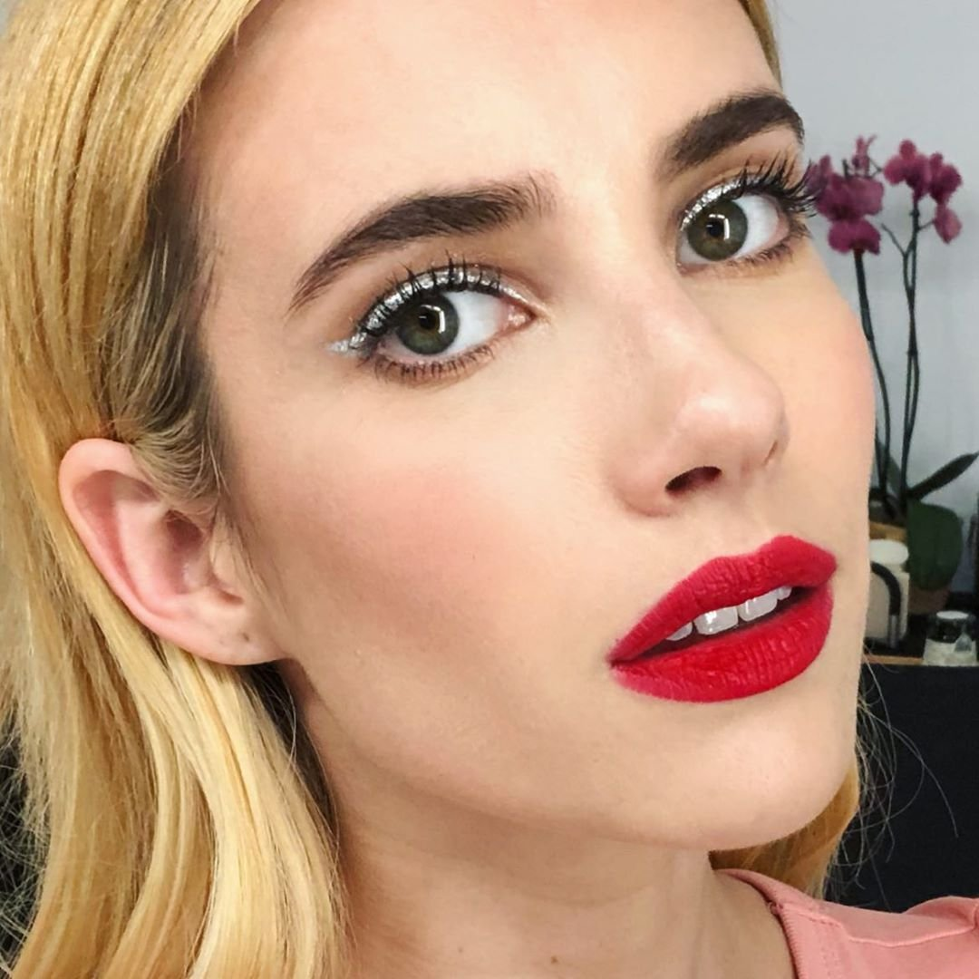 Emma Roberts - Make Iluminada - Make iluminada - Primavera - Street Style