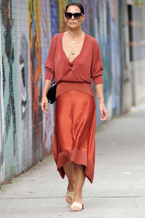Katie Holmes - sandália de dedo - sandália de dedo - verão - street style
