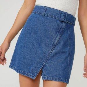 Saia Jeans Curta Com Fivela Forrada
