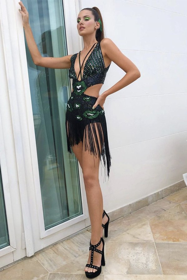 Camila Queiroz - bloquinho - carnaval - verão - street style
