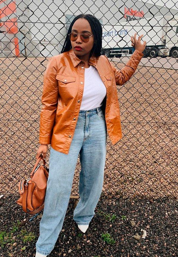Ada Oguntodu - calca-jeans-reta - jeans - verão - street-style