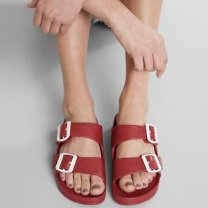 Birken: 7 looks com a sandália hit do verão