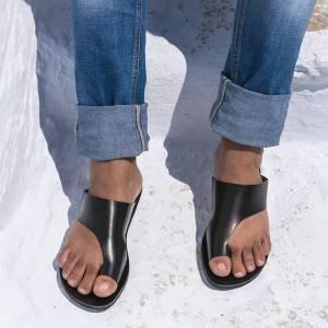 Deu match: jeans e sandálias flats