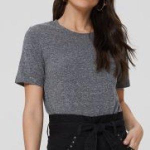 T-Shirt Básica Bolso