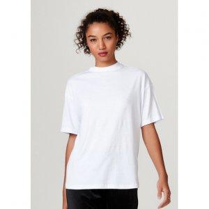 Camiseta Básica Feminina Modelagem Oversized Gola Alta