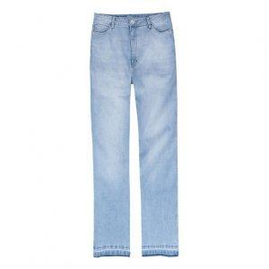 Calça Jeans Feminina Modelagem Reta Com Elastano