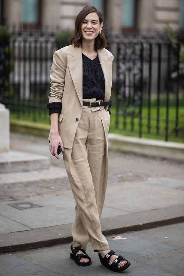 Alexa Chung - papete - sandália trendy - verão - street style
