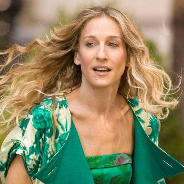 STEAL THE LOOK - sex and the city - Como usar os looks de Carrie Bradshaw em 2020!