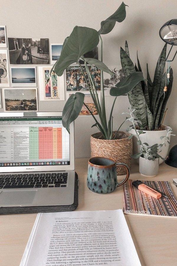 reprodução pinterest - home office - trabalho remoto - inverno - street style