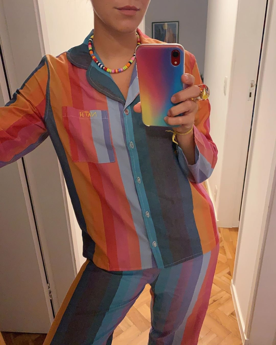 It girls - Arco iris - Combinar acessórios - Outono - Street Style - https://stealthelook.com.br
