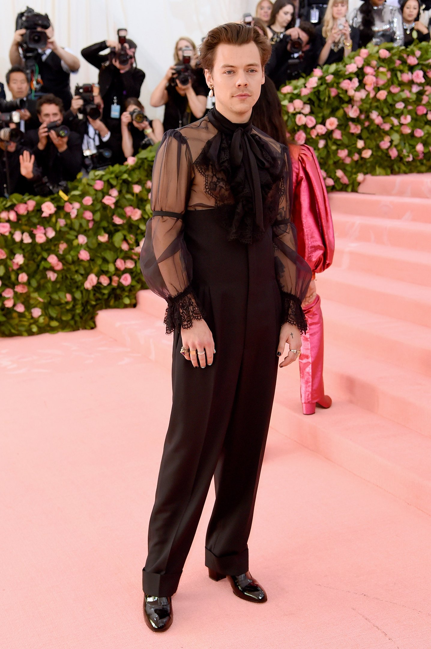 Harry Styles - Gucci - Met gala - Outono - Street Style - https://stealthelook.com.br