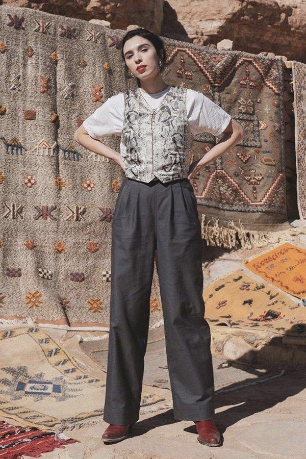 Frida Becker - tendências dos anos 80 - colete - meia-estação - street style - https://stealthelook.com.br