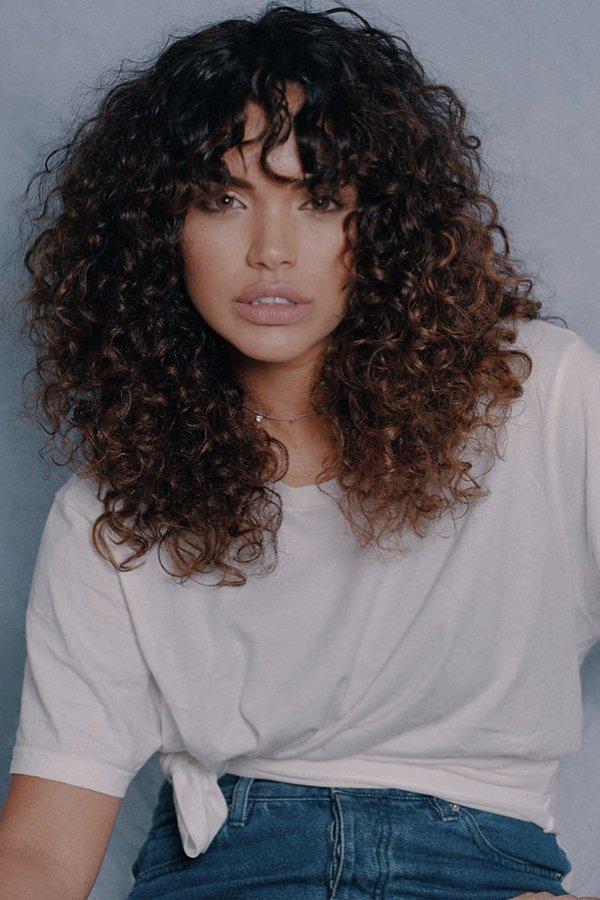 Tamires Correia - como cortar a franja - cabelos - inverno - em casa - https://stealthelook.com.br