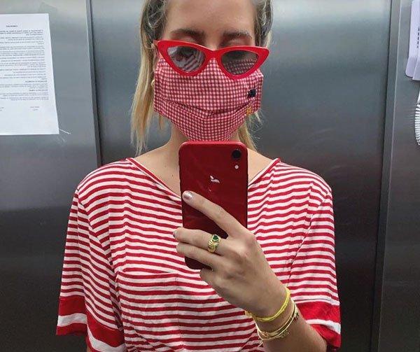 Nathalia Medeiros - mascara - mascara - covid - elevador - https://stealthelook.com.br