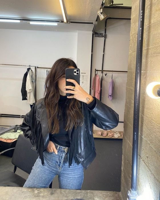 It girls - Jaqueta - Franjas - Outono - Street Style - https://stealthelook.com.br
