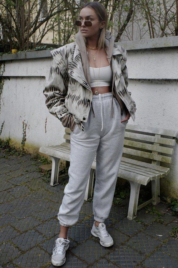 Nina Suess - conjunto de moletom - moletom - inverno - street style - https://stealthelook.com.br