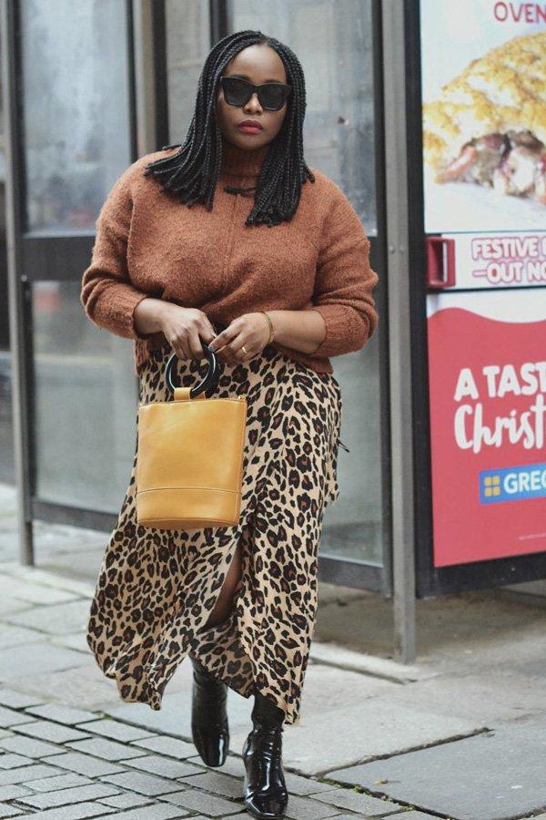 Ada Oguntodu - tricot básico - cardigans e suéteres - inverno - street style - https://stealthelook.com.br