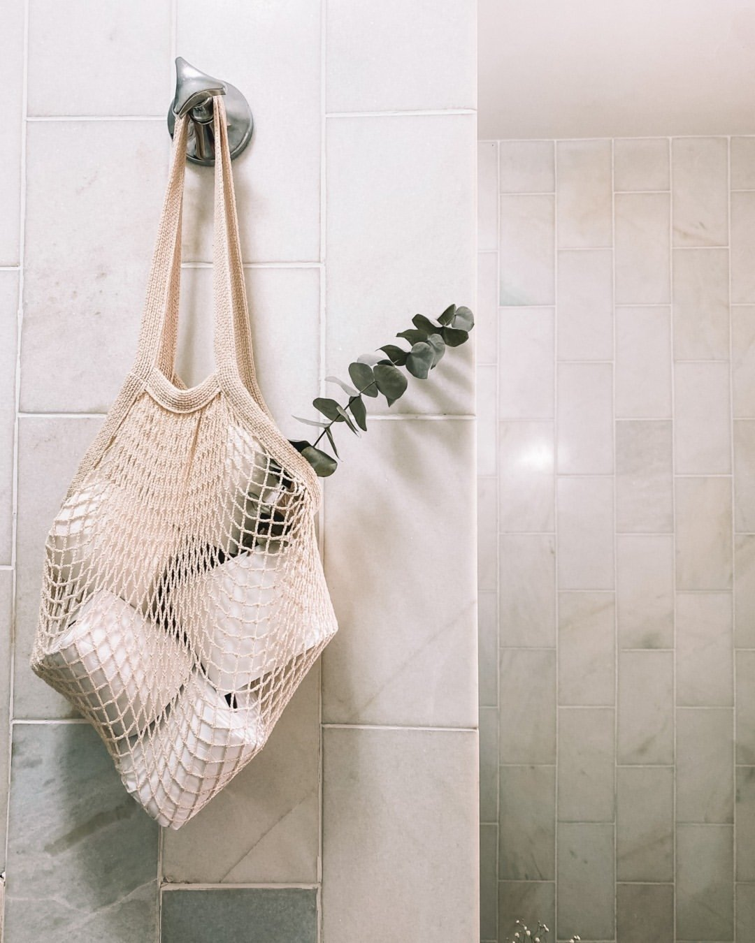 It girls - Decor - Decoração do banheiro - Inverno - Street Style - https://stealthelook.com.br
