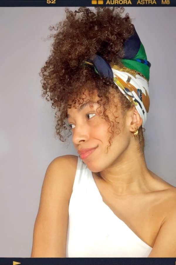 Luma Jady  - Lenço no cabelo  - lenços  - inverno  - em casa  - https://stealthelook.com.br