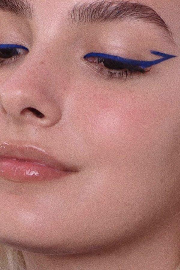 Nathalie Billio - delineadores diferentes - maquiagem - inverno - street style - https://stealthelook.com.br