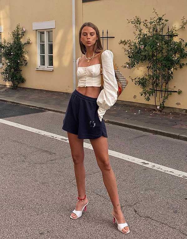 It girls - Shorts - Sandália tendência - Inverno - Street Style - https://stealthelook.com.br
