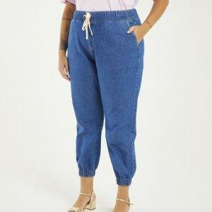 Calça Jeans Jogger com Amarração Curve & Plus Size