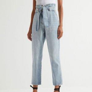 Calça Jeans Clochard com Amarração Frontal