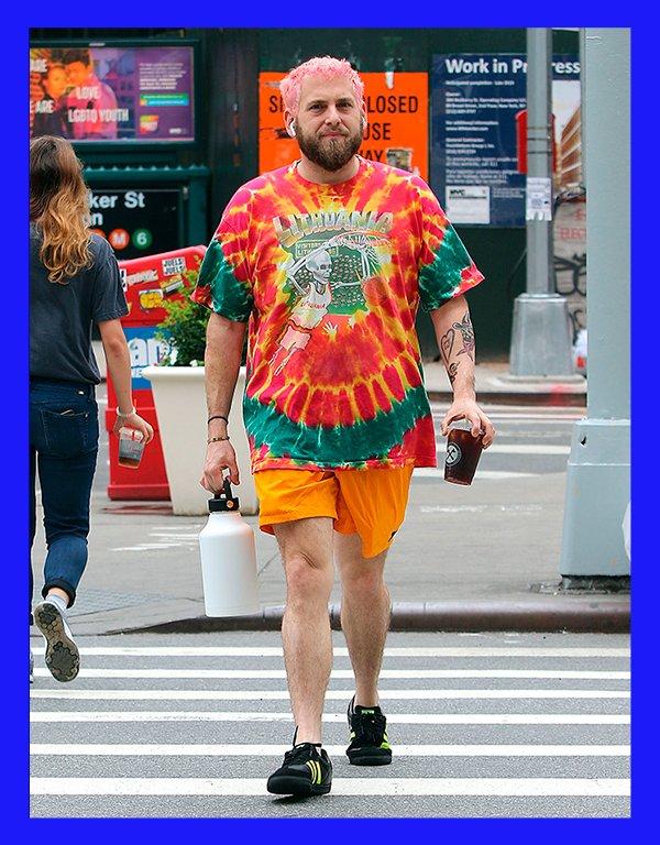 It girls - Camiseta - Tie dye - Inverno - Street Style - https://stealthelook.com.br