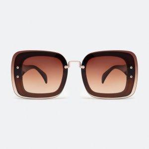 Óculos de Sol Feminino Quadrado Detalhe em Sobretom