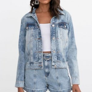 Jaqueta Jeans com Recortes e Bolsos Comfy