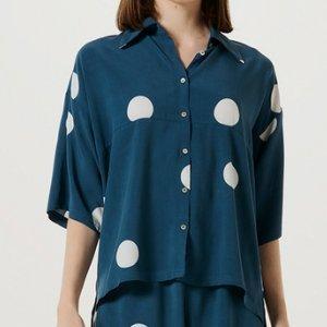 Camisa Feminina Manga Curta Em Tecido De Viscose